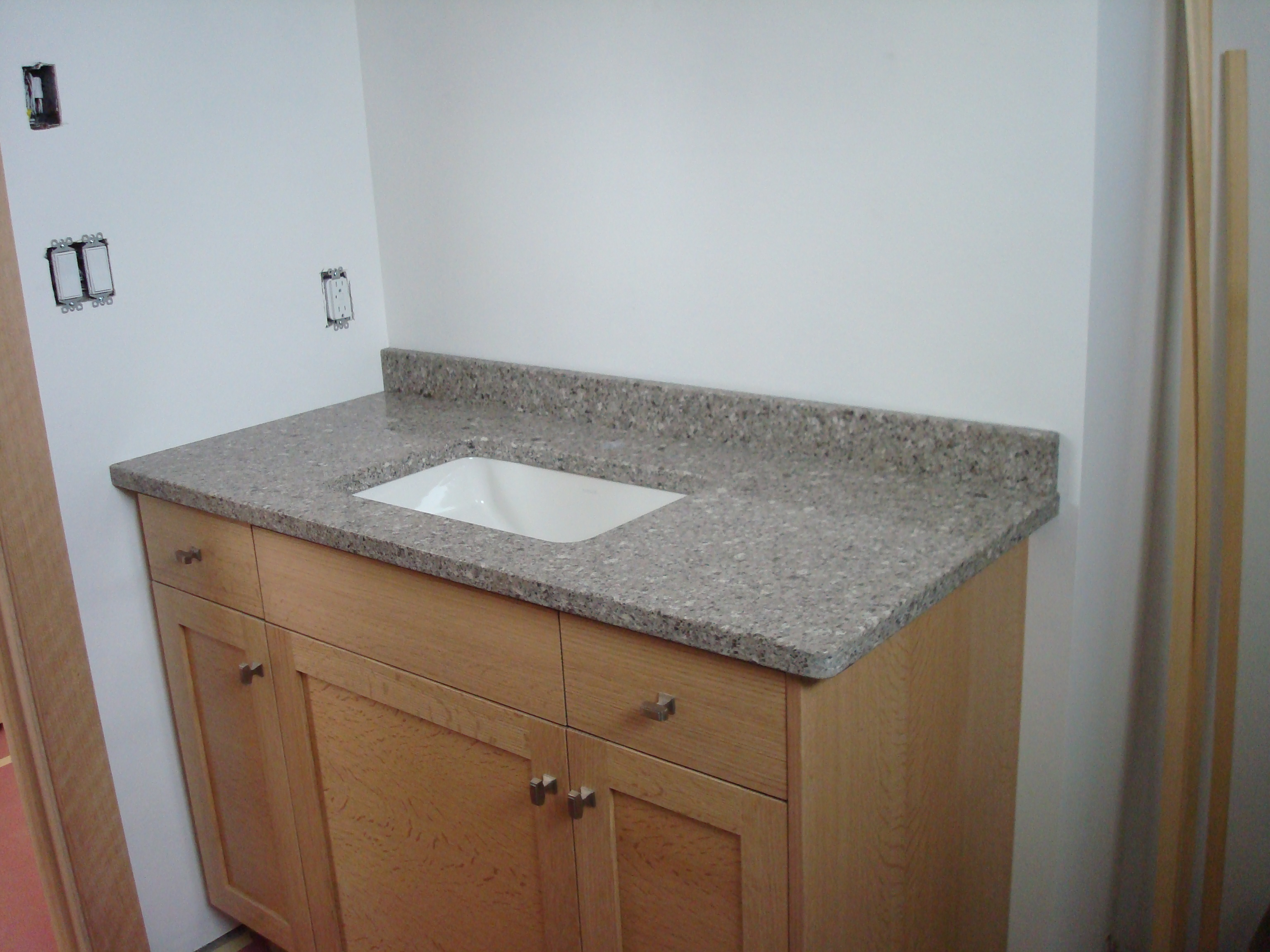 Countertop Sink : Gues Bath Countertop and Sink